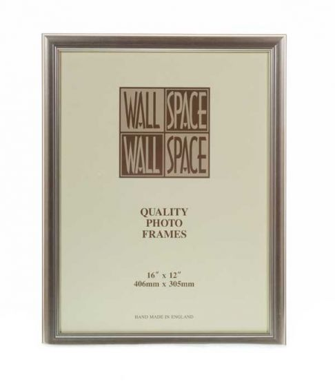 "16"" x 12"" - Deluxe Silver Wooden Photo Frame"
