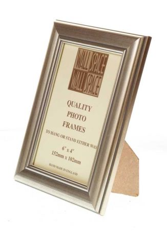 "6"" x 4"" Photo Frame in Silver"